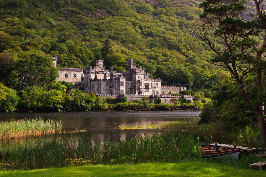 <strong>Title: </strong>Kylemore Abbey<br /><strong>Filename:</strong>2006-08-13-Connemara-112<br /><strong>Image Reference Number: </strong>swl004