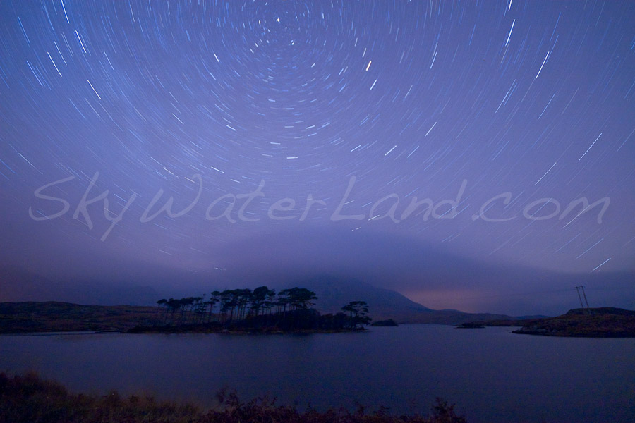 <strong>Title: </strong>Star Trails at Derryclare<br /><strong>Filename:</strong>Astro Derryclare-181207-008<br /><strong>Image Reference Number: </strong>swl015