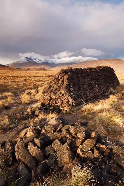 <strong>Title: </strong>Turf <br /><strong>Filename:</strong>connemara_301108_014<br /><strong>Image Reference Number: </strong>swl028
